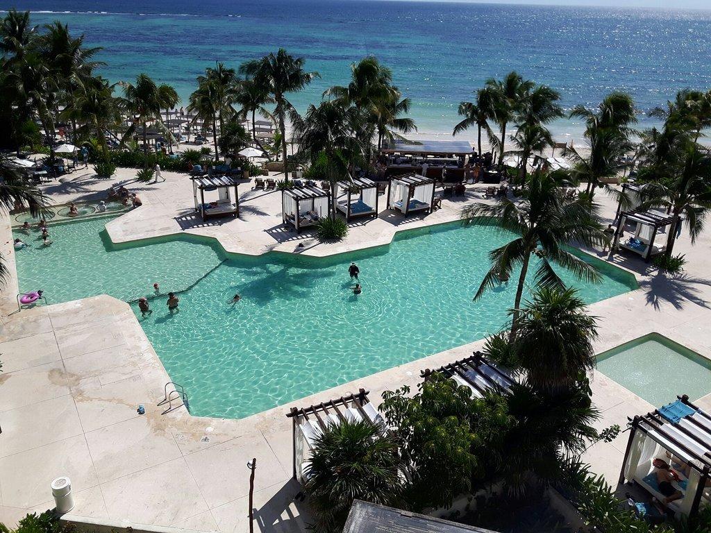 pool at akumal bay